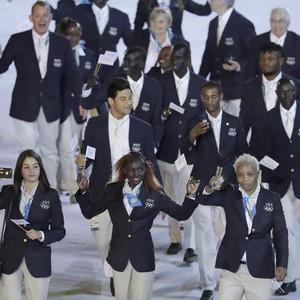 Time Olímpico de Refugiados, Maracanã, Abertura Rio 2016 (Foto: ASSOCIATED PRESSAP)
