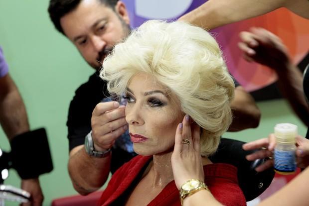 Adriane Galisteu se transforma em Hebe Camargo para o Máquina da Fama (Foto: Lourival Ribeiro/SBT)