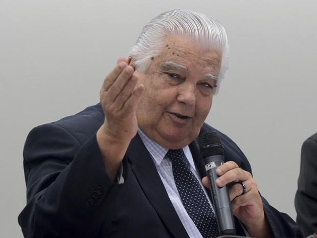 O ministro de Ciência e Tecnologia, Marco Antonio Raupp, durante audiência pública na Câmara (Foto: Antonio Cruz / Agência Brasil)