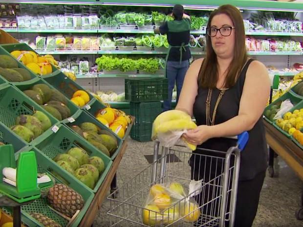 Acesso a produtos orgânicos vem aumentando em supermercados do Sul de Minas (Foto: Reprodução EPTV/Michel Diogo)