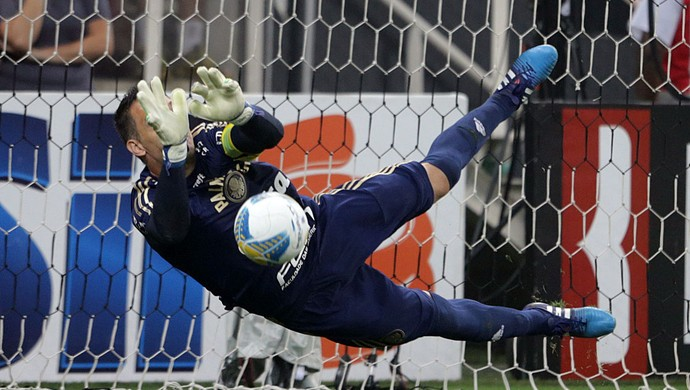 Fernando Prass Palmeiras Corinthians pênalti (Foto: NILTON FUKUDA / Agência Estado)