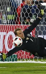 Neuer Alemanha Itália Eurocopa (Foto: Michael Dalder / Reuters)