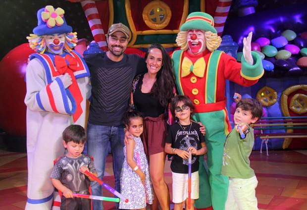 Ricardo Pereira e família (Foto: AgNews)