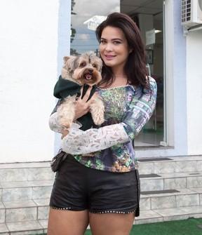 Geisy Arruda com Mike no colo (Foto: Divulgação / Adriana Barbosa)