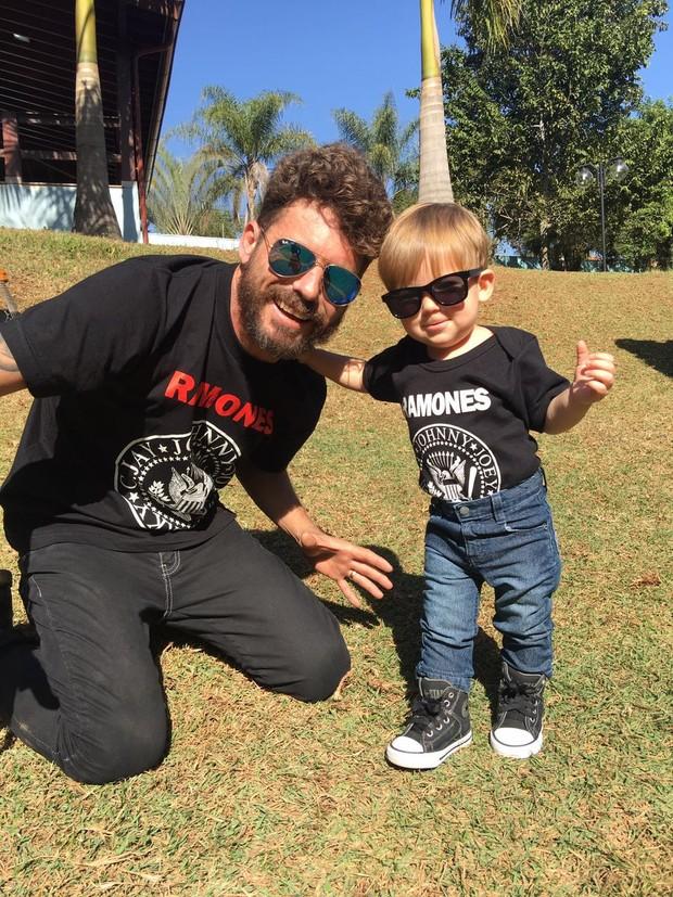 Hudson com o filho, Davi (Foto: Arquivo Pessoal)