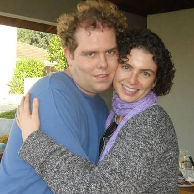 Patricia Lucchesi e o filho, Matheus (Foto: Reprodução/Facebook)