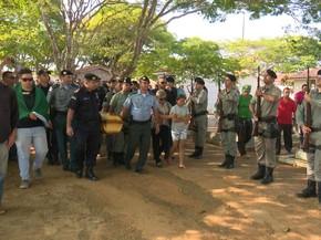Militar foi homenageado durante enterro em Vilhena (Foto: José Manoel/Rede Amazônica)