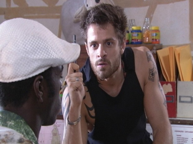 Moisés manda Fôjo ficar de olho em 'Xisnove'  (Foto: Malhação / Tv Globo)