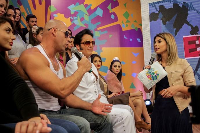 Olha a Dai batendo papo com o Vin Diesel (Foto: Bruno Vaz/RPC)