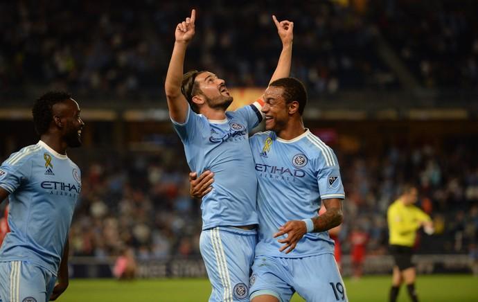 Villa comemora com Mendoza gol pelo New York FC (Foto: Divulgação/New York FC)
