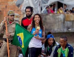 Rafaela Silva participa de carreata na Cidade Deus (Foto: Divulgação/Federação Internacional de Judô)