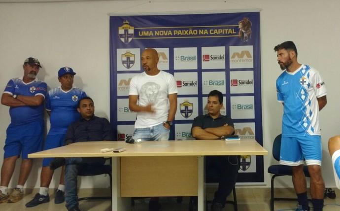 Luis Carlos Souza foi apresentado nesta sexta como novo técnico do Real FC (Foto: Divulgação / Real FC)