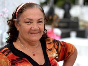 Verônica atribui cura de insuficiência renal do neto a milagre de Josephina (Foto: Ingrid Bico/ G1)