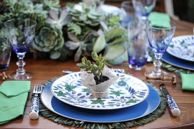 Azul e verde: um almo?o no jardim - Casa Vogue Comida ...