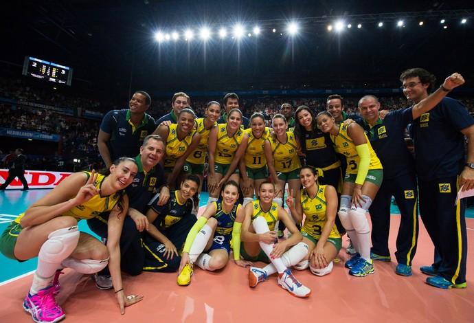 comemoração vôlei feminino Brasil (Foto: FIVB)