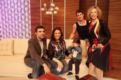 Davi Moraes, Maria Rita e a filha Alice, com Theodoro Cochrane e Marília Gabriela (Foto: Marcelo Tabach)