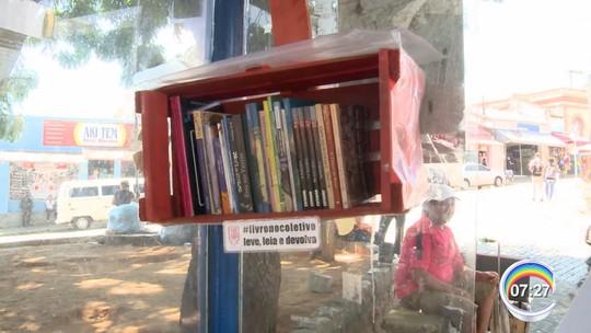 Comerciante arrecada livros e espalha pelos pontos de ônibus de Atibaia