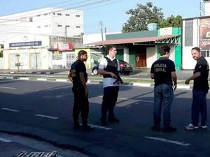 Operação da Polícia Federal ocorre no Centro de Boa Vista (Foto: Emily Costa/G1 RR)