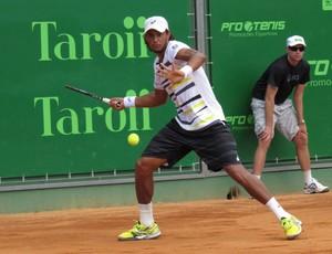 João Souza Feijão tênis Itajaí (Foto: Rafael I. R. Moreira/Divulgação)