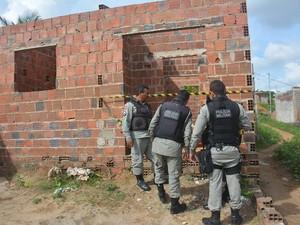 Jovem é encontrado morto  em Santa Rita (PB)  (Foto: Walter Paparazzo/G1)