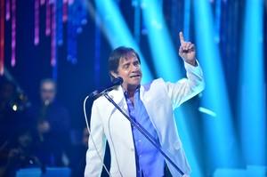 Roberto Carlos surpreendeu ao cantar 'Quero Que Vá Tudo Pro Inferno' na gravação (Foto: Mauricio Fidalgo/Globo)