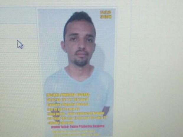 Luciano Pinheiro Bezerra, 22 anos, foi preso e autuado em flagrante durante assalto a van no MA (Foto: Alessandra Rodrigues/Mirante AM)