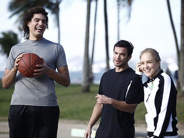 Angélica, Anderson Varejão e Sidney Sampaio (Foto: Estrelas/TV Globo)