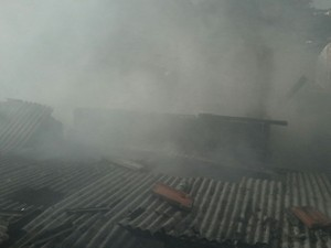 Casas afetadas ficam na Vila Zalla, diz bombeiro (Foto: Arquivo Pessoal/ Geysa de Freitas)