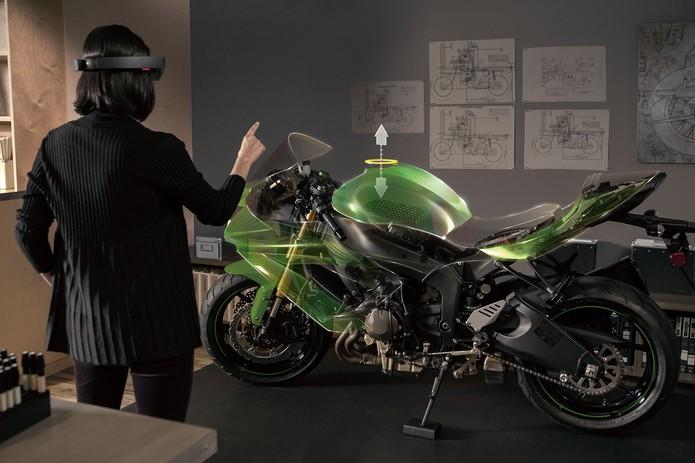 Hologramas visualizados a partir dos HoloLens ajudarão a lidar com protótipos (Foto: Divulgação/Microsoft)