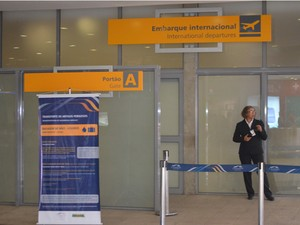 Área de entrada para embarque internacional no aeroporto de Viracopos, em Campinas (Foto: Leandro Filippi / G1)