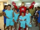Cearense 'vira' Homem de Ferro para o filho e transforma ídolo em renda