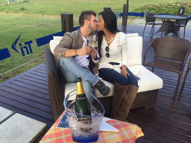 Rafael e Talita (Foto: AgNews/Marcelo Gobbi)