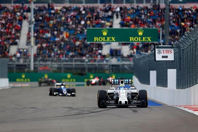 Felipe Massa acelera a Williams na pista de Sochi, durante o GP da Rússia (Foto: Divulgação / Williams)