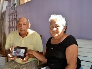 Pais ficaram assustados com suposta empresa em nome do filho (Foto: Abinoan Santiago/G1)
