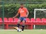 Com lesão na coxa, Henríquez desfalca Sport por até três semanas