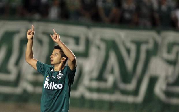 Renan Oliveira gol Goiás x Fluminense (Foto: Carlos Costa / Ag. Estado)