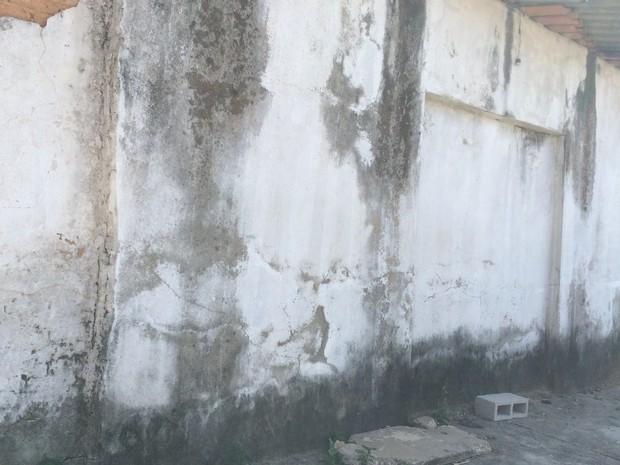 Impermeabilização de obra pode evitar transtornos, em Goiás (Foto: Danielle Oliveira/G1)