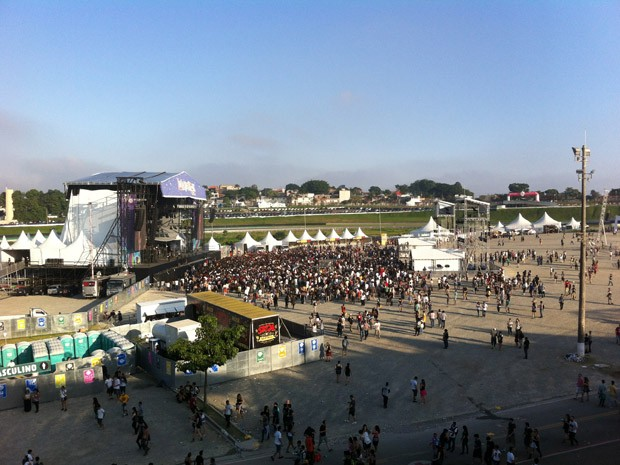 Vista do palco Interlagos do Lolla Lounge (Foto: G1)