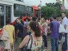 Falta de combustível e protestos prejudicam passageiros da região