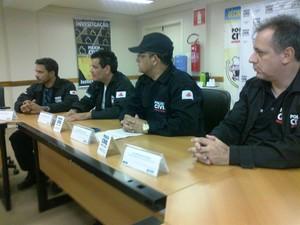 Superintendente de delegados concederam coletiva para a imprensa  (Foto: Michelly Oda / G1)