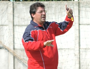 Técnico Lelo do Grêmio Prudente (Foto: Valmir Custódio / GloboEsporte.com)