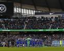 Partida entre City e Chelsea tem homenagens à Chape; veja imagens