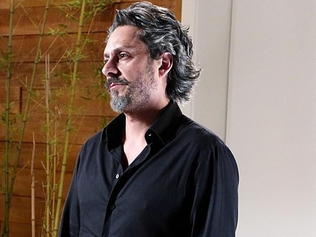 José Alfredo nega e diz que o teste de paternidade é para valer (Foto: TV Globo)