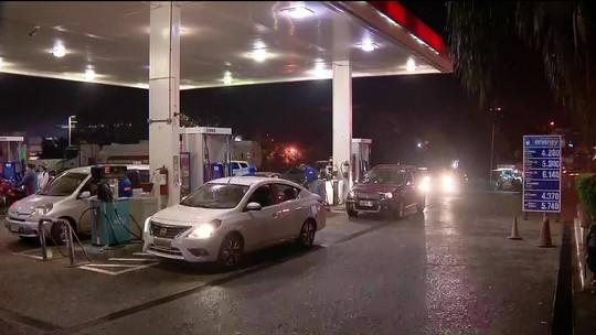 Moradores do PR vão ao Paraguai abastecer o carro