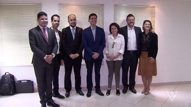 Pedro Gouvêa anuncia o nome de seis secretários (Foto: Reprodução/TV Tribuna)