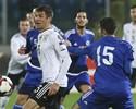 """""""Nada a ver com futebol profissional"""", diz Müller, após 8 a 0 em San Marino"""