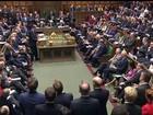 Governo britânico anuncia corte nos gastos para compensar arrecadação