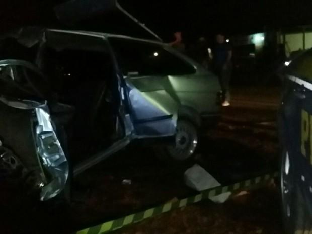Motorista do Gol foi o único sobrevivente de colisão na BR-285 no RS (Foto: Divulgação/PRF)