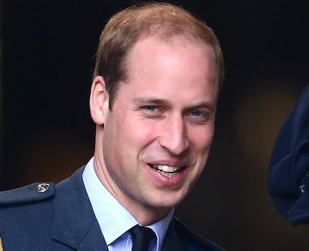 Não há uma confirmação da realeza a esse respeito, mas a imprensa britânica jura que o Príncipe William do Reino Unido é daltônico, o que já teria lhe gerado problemas ao pousar helicópteros. (Foto: Getty Images)