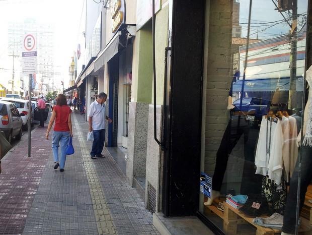 Comércio na área central de Piracicaba fecha nesta sexta-feira (3) (Foto: Claudia Assencio/G1)